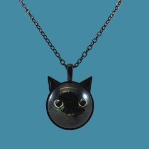 Collier cabochon tête de chat noir à oreilles